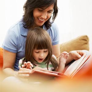 Как оставить ребенка проживать с матерью, если материальное положение отца значительно лучше?